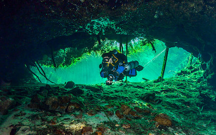 Cave Diving 02