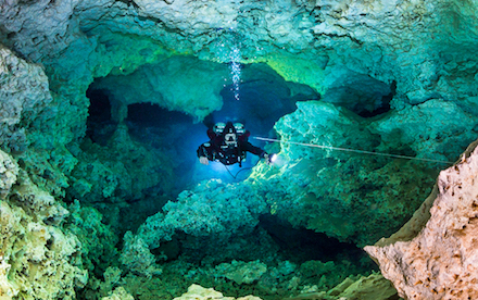 Cave Diving 03