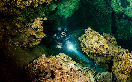 Cave Diving 06