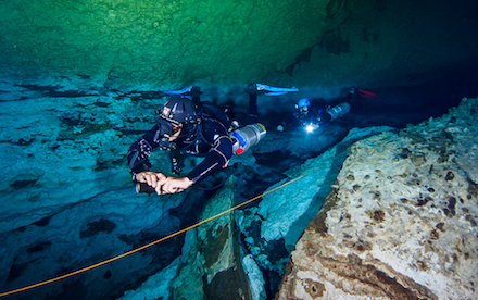 Cenote Diving 03