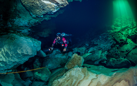 Cenote Diving 04